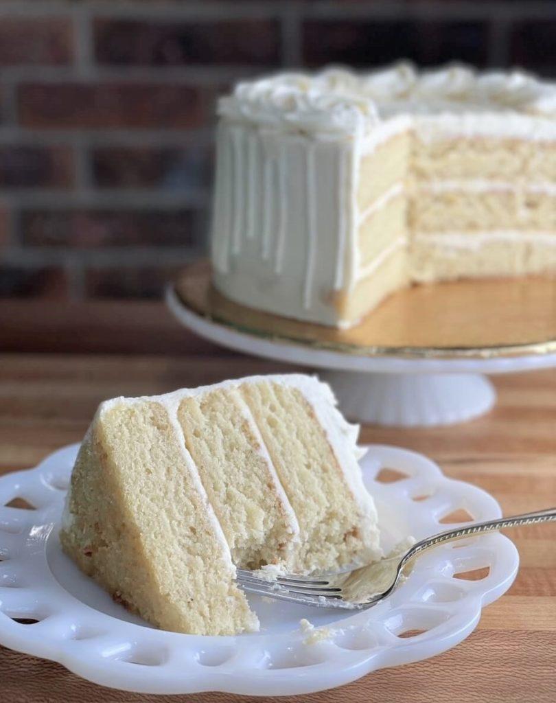 moist vanilla almond cake recipe