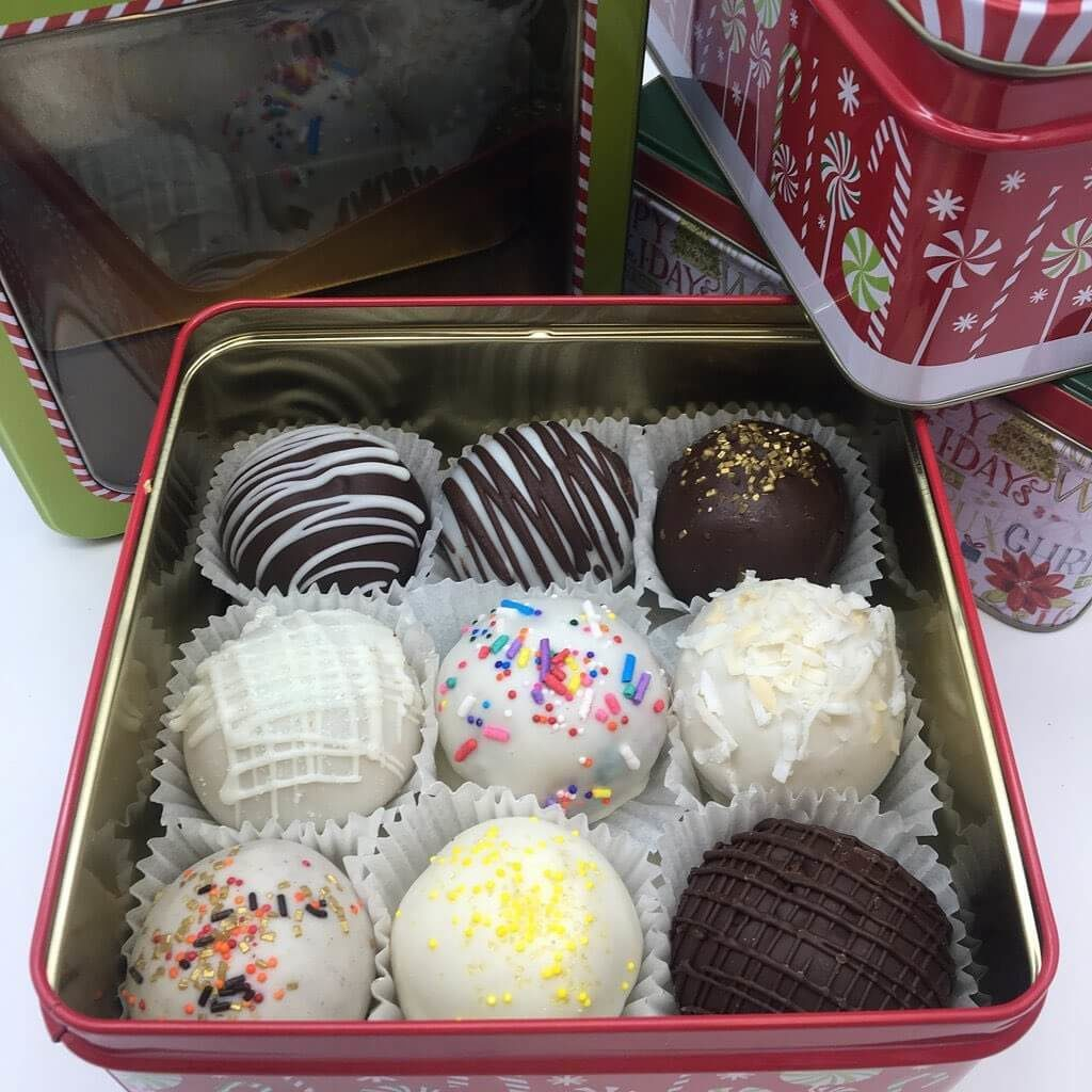 Cake truffle gift tin